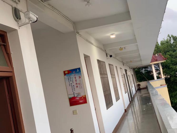樓棟之間用光纖運輸,并匯聚主辦公樓進行實時監控